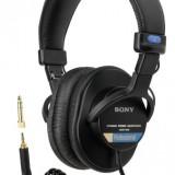 Sony MDR7506 Professional Large Diaphragm Headphone thumbnail
